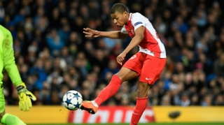 "Kylian Mbappe- ""Thierry Henry mới"" của AS Monaco"