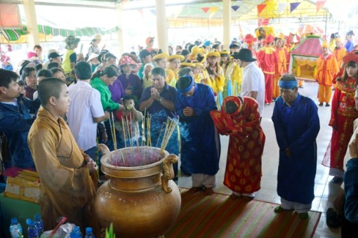 Thousands join Nghinh Ong Festival in Bac Lieu