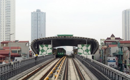 Cat Linh-Ha Dong railway connected to national grid for trial operation
